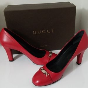 Gucci mid heel pumps in red
